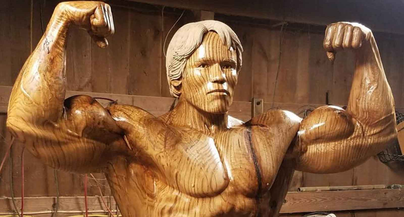 Sculptor Carves Arnold Schwarzenegger Out Of Black Oak Tree Trunk